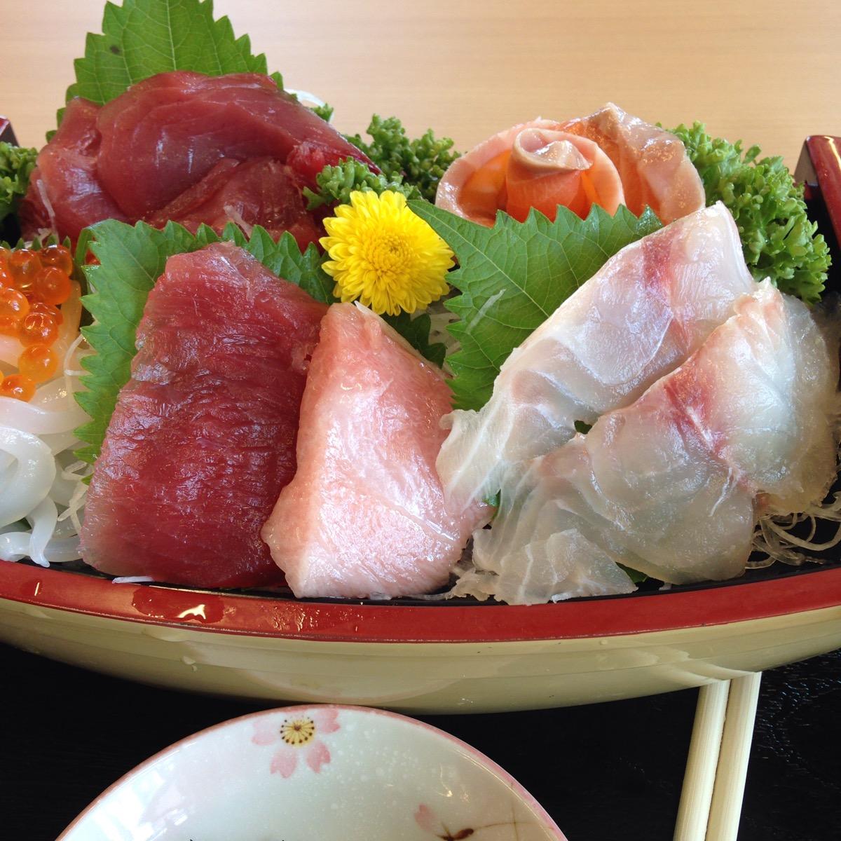 海の駅九十九里で1,000円(税込み)の舟盛り定食を食べてきたよ。おみやげのオススメは・・・。