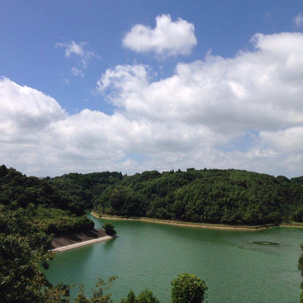 長柄町町営プールがなかなかの絶景な件。長柄ダムを見晴らしの良さ。家族連れにオススメのプール。