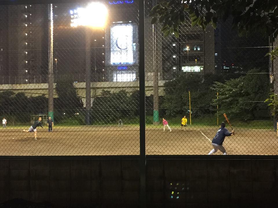 芝公園野球場でナイターゲーム!野球の原点は草野球〜エンジョイ・ベースボールだ!
