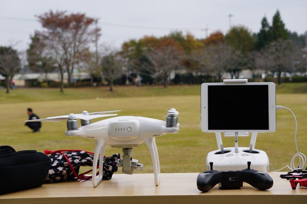無人航空機の飛行申請件数が1万件を突破(平成28年度)