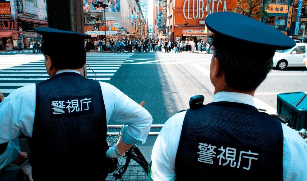 ドローンを飛行させる場合の警察への事前の届け出をおすすめします。